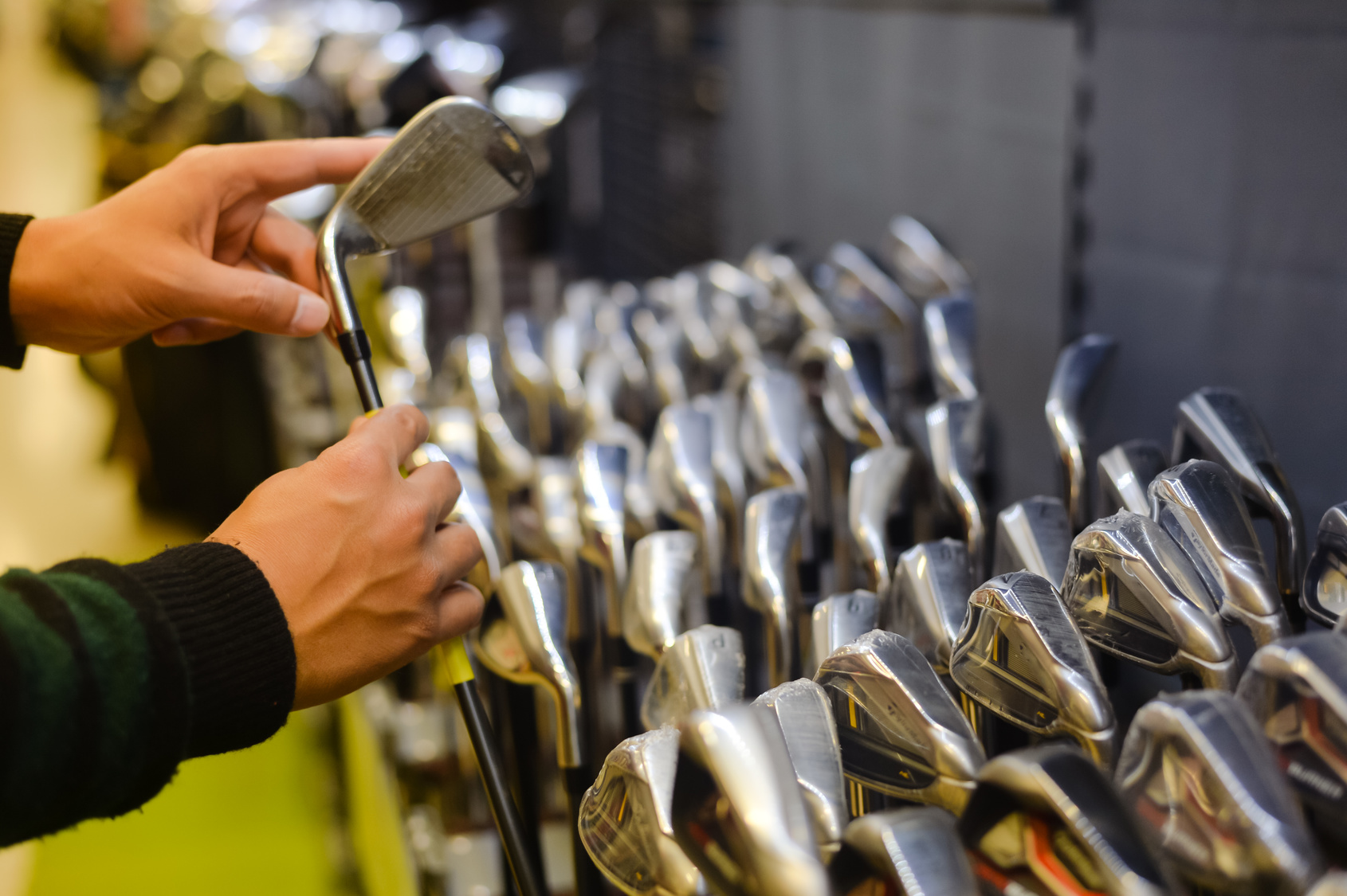 Storing Your Golf Clubs The Right Way
